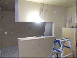 2015.9.10対面キッチン設置壁