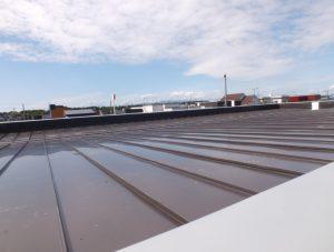 2016.6.27屋根を葺きました1