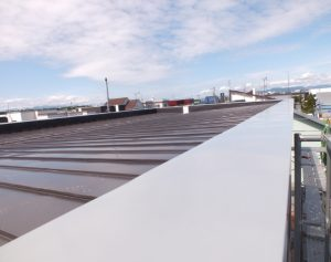 2016.6.27屋根を葺きました3